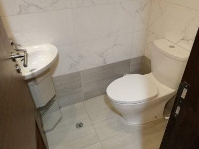Le Prabelle HotelのQuad Suite トイレ