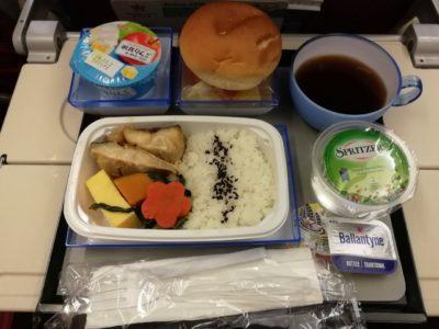 香港航空香港行きの機内食